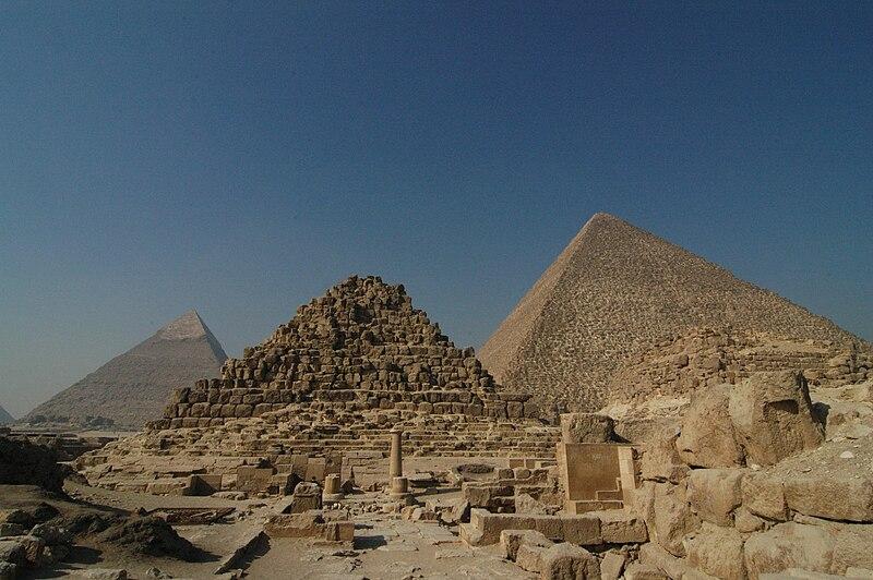 Visitar Guiza - Página 3 800px-Giza_piramide_di_Henutsen