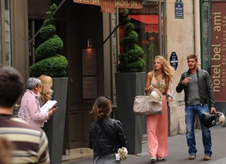 Gossip Girl - Gossip Girl filming in Saint-Germain-des-Prés, Paris, France