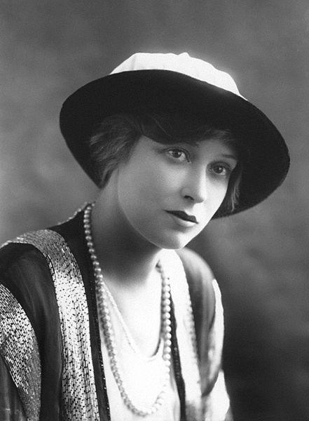 File:Grace Larue 1913.jpg