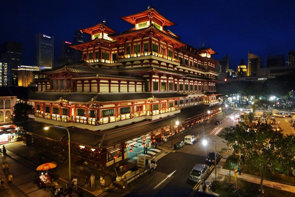 Kuil dan Museum Relik Gigi Buddha di jantung Chinatown