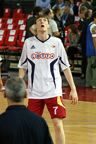 Gregor Fučka - Fučka warming up with Lottomatica Roma.