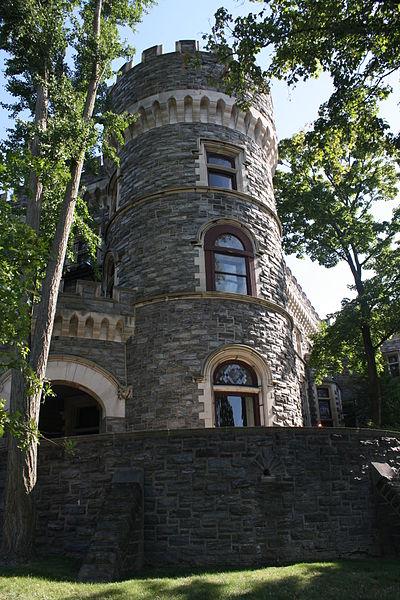 File:Grey Towers Castle, Northern Side 01.JPG