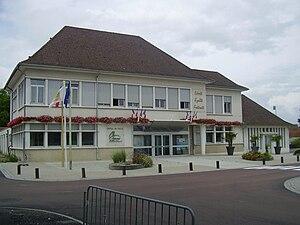 Bellerive-sur-Allier - Town hall in 2010.