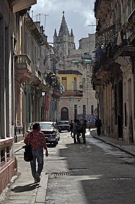 Straße im unrestaurierten Teil Habana Viejas