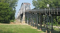 Harmony Way Bridge, southern side detailed from east.jpg