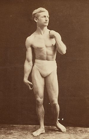 Bernarr Macfadden - Macfadden posing as Michelangelo's David in 1905