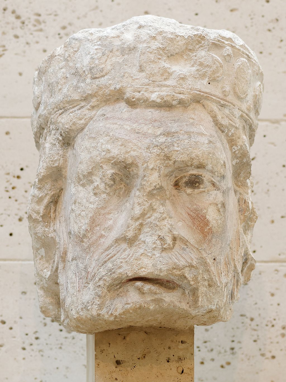 Head of a king of Judah MNMA Cl. 23002