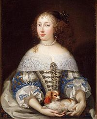 Henrietta of England (School of Pierre Mignard).jpg