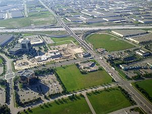 Highway 401 at Hurontario Street 9192877703.jpg