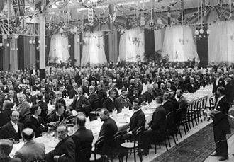 Derby Litchurch Lane Works - Annual dinner of the Institution of Mechanical Engineers held in the carriage works of the Midland Railway at Derby in 1898. Samuel Johnson, the railway's Chief Mechanical Engineer was the institution president.