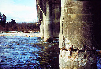 1968 Inangahua earthquake - Inangahua Junction bridge after the 1968 earthquake.