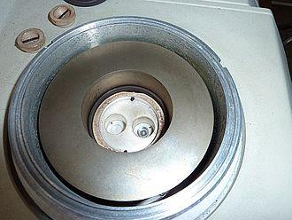 Differential scanning calorimetry - Differential scanning calorimeter