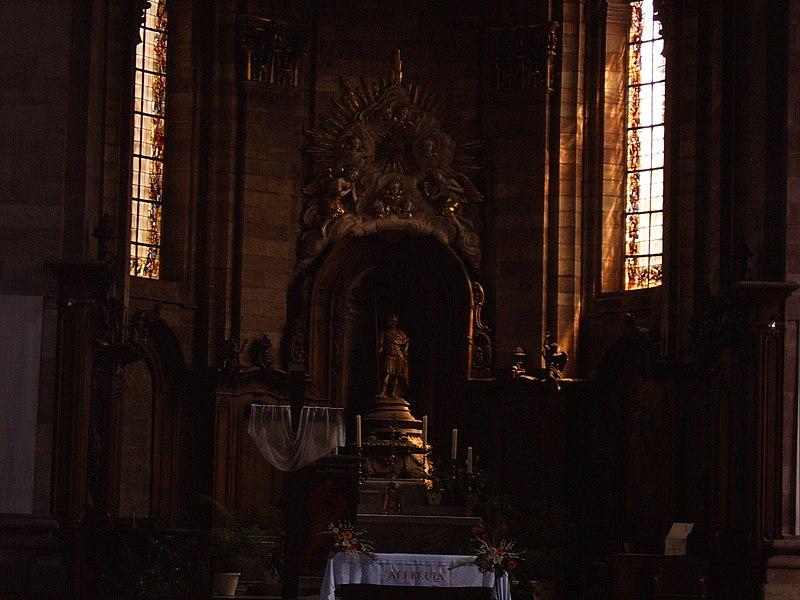 Intérieur de l'église abbatiale Saint-Nabor