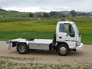 Isuzu Philippines - Image: Isuzu N Series Sport Tractor 01