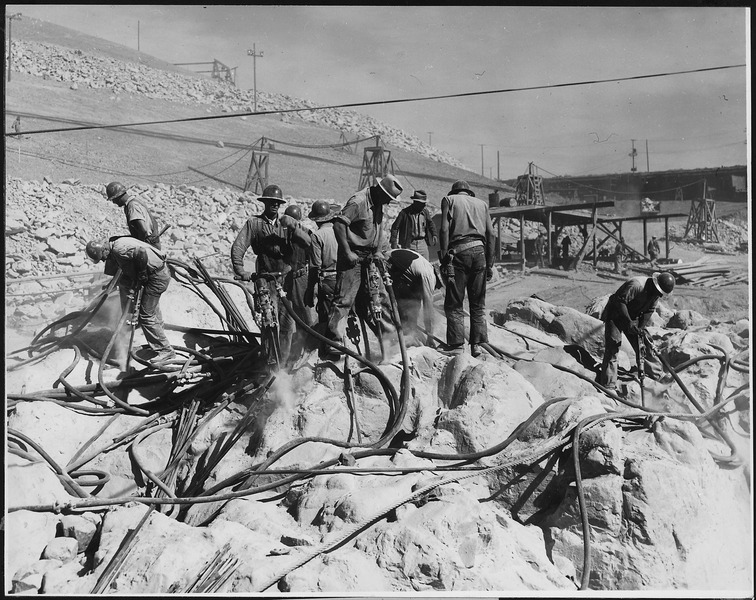 File:Jackhammers on west bedrock - NARA - 294084.tiff