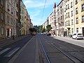 Jaromírova, zastávka Svatoplukova, pohled k Vyšehradu (01).jpg