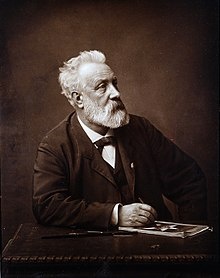 220px-Jules_Verne_in_1892