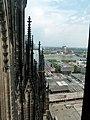 Kölner Dom – der Weg zum Turm – Blick am Ludwig-Museum vorbei zum Rhein - panoramio.jpg