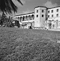 Kasteel St. George, westzijde met gouverneursgalerij - 20651783 - RCE.jpg