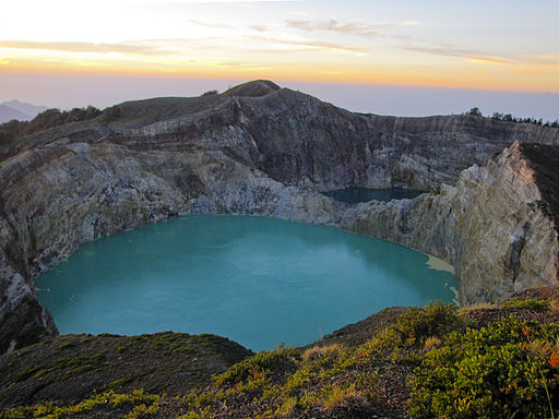 Kelimutu sunrise