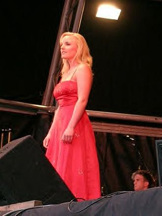 Kerry Ellis - Kerry Ellis singing in a concert