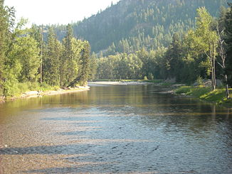 Kettle River from Railway Trestle.jpg