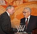 Kissinger con gildenhorn.jpg