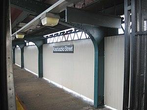 Kosciuszko Street (BMT Jamaica Line) - Northbound platform