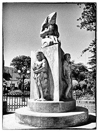 Chía (goddess) - Statue of Chía in Chía