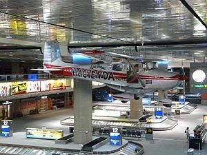 Las Vegas airport - plane.JPG