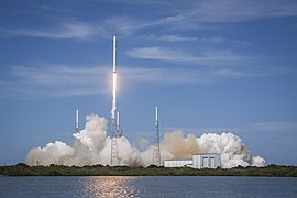 Launch of Falcon 9 carrying CRS-6 Dragon (17171659711).jpg