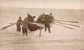 Plum Island (Massachusetts) - Launching the lifeboat, c. 1910