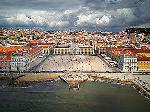 Praça do Comércio - Image: Lisbon main square (36622604910)