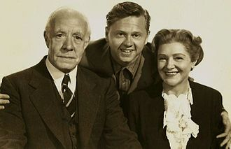 Andy Hardy - Mickey Rooney (centre) as Andy Hardy, with Judge Hardy (Lewis Stone) and Mrs. Hardy (Fay Holden), 1939