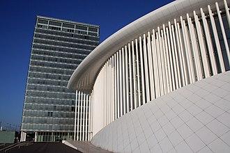 Philharmonie Luxembourg - 823 facade columns of white steel line the Luxembourg Philharmonie.