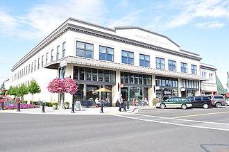 Lynden, Washington - Image: Lynden, Washington Waples Mercantile Building 02