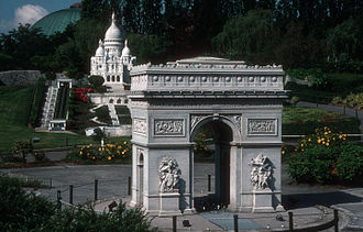 Mini-Europe - Arc de Triomphe and Sacré Cœur