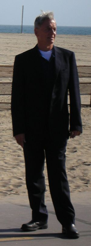 Mark Harmon - Mark Harmon in 2009 portraying Special Agent Gibbs in NCIS