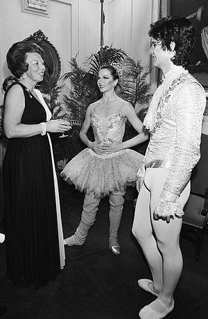 Martine van Hamel - Queen Beatrix of the Netherlands, Martine van Hamel, and Kevin McKenzie in 1982