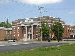 Calhoun, Kentucky - McLean County Courthouse in Calhoun