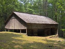 Messer-barn-great-smokies1.jpg