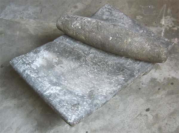 Metate-and-Mano