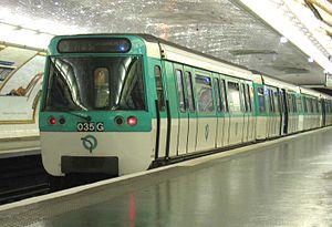 MF 77 - Image: Metro Paris Rame MF77 ligne