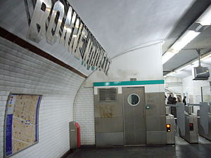 Bonne Nouvelle (Paris Métro) - Image: Metro Paris Ligne 8 Station Bonne Nouvelle (5)