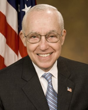 Michael Mukasey - Image: Michael Mukasey, official AG photo portrait, 2007