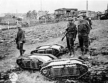 220px Mini tanks p012953