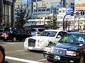 Mitsuoka Galue 350LX (CBA-PY50) front.JPG
