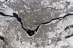 Montreal Canada from ISS014.jpg