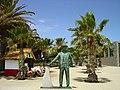 Monumento ao Barqueiro - Vila Baleira - Portugal (2465428408).jpg