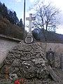 Monumento funebre Enguiso.JPG